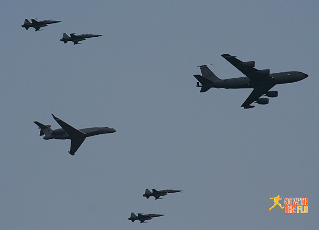 Last flypast: KC-135R with a G550 behind it, escorted by F-5S Interceptors