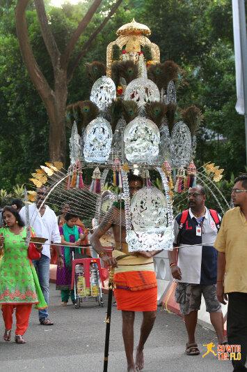 Thaipusam procession Singapore 2016