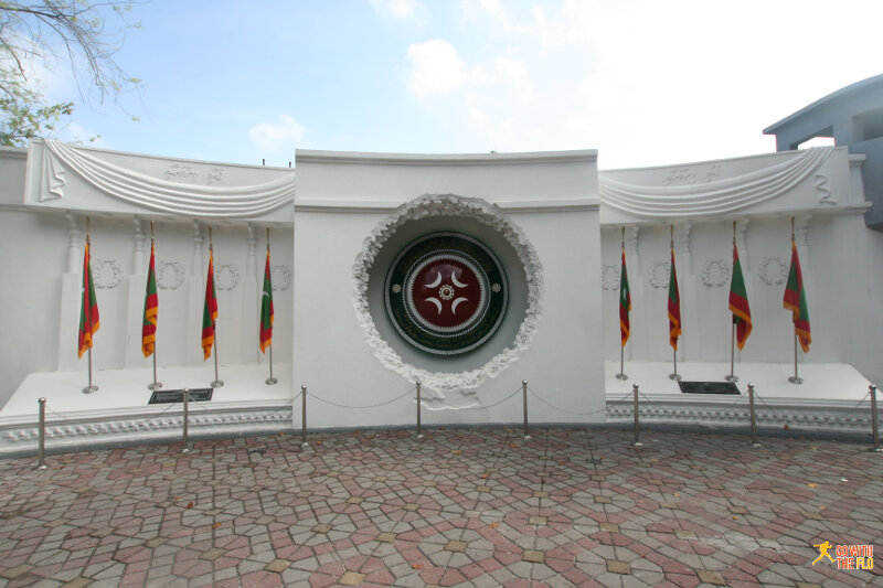 The Republican Monument, commemorating 30 years of independence (2015 the Maldives celebrated 50 years of independence)