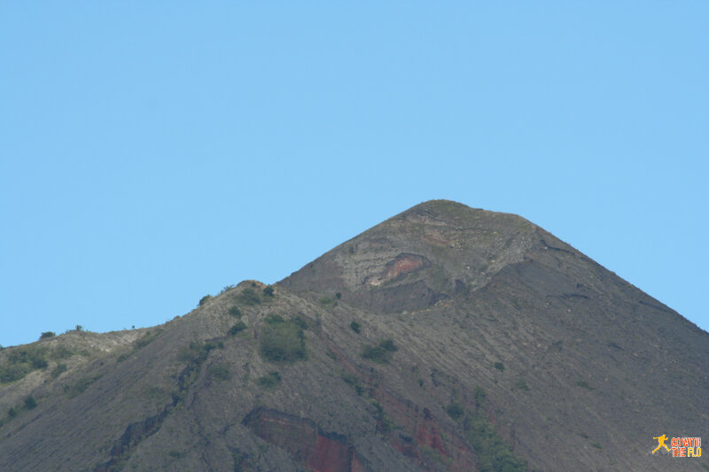 Close-up view of the crater rim of Gunung Inerie