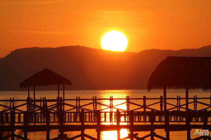 Sunrise on Seraya Kecil