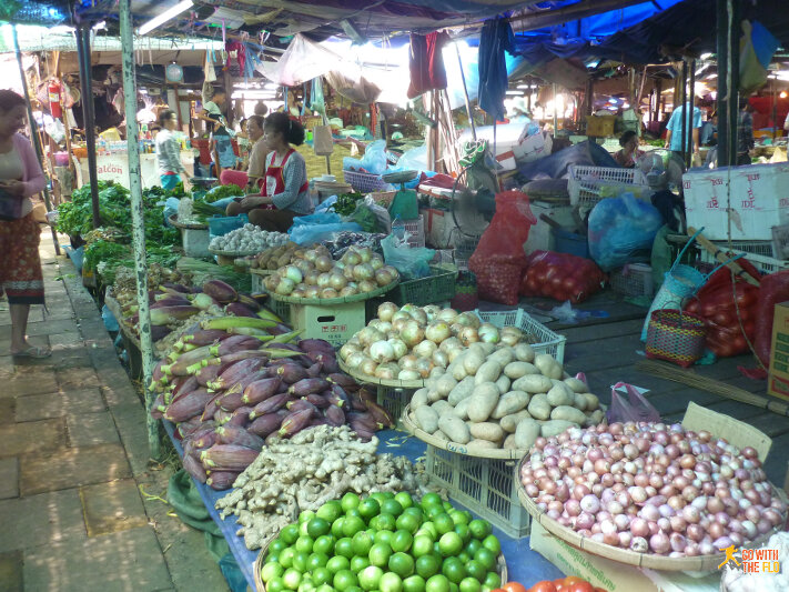 Inside Talat Khua Din: the veggie section