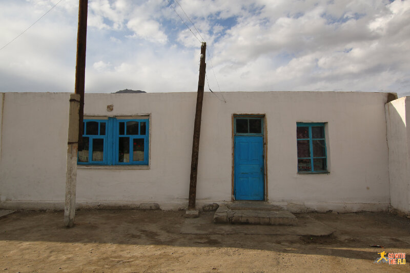 Building in Murghab reminding me of Greek islands