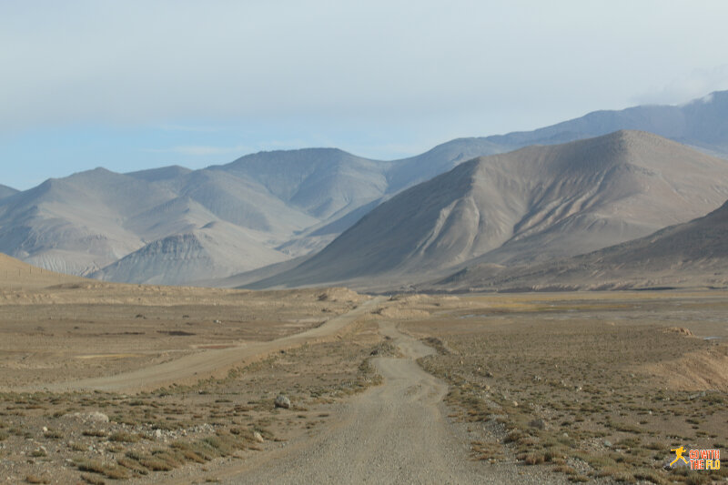 Driving towards Karakul