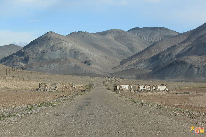 On the way from Murghab to Karakul in Tajikistan