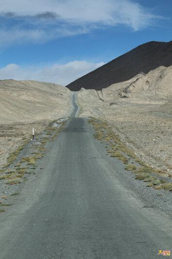 Next stop: Tajikistan-Kyrgyzstan border