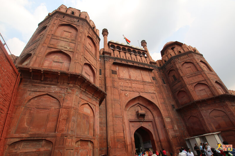 The main entrance, the Lahori Gate