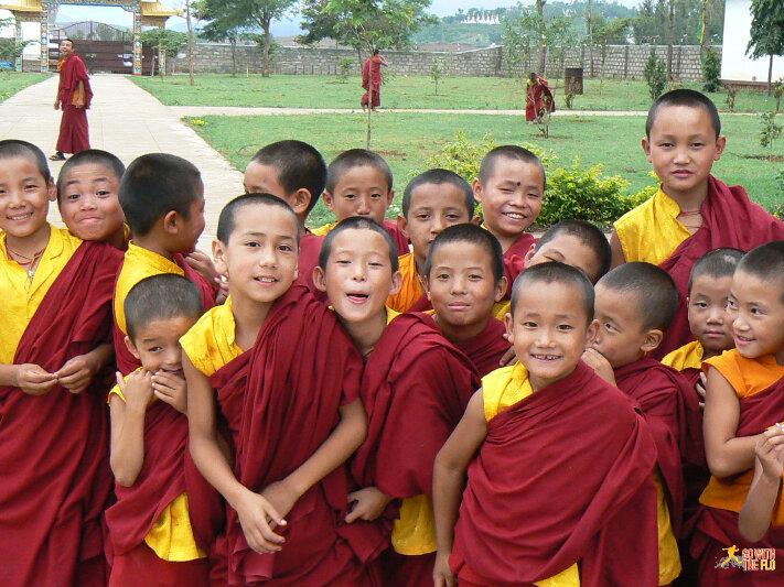 Tibetan school kids (Modahalli, Karnataka - 2008)