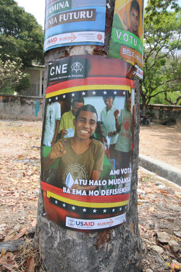 Poster prompting people to exercise their right to vote