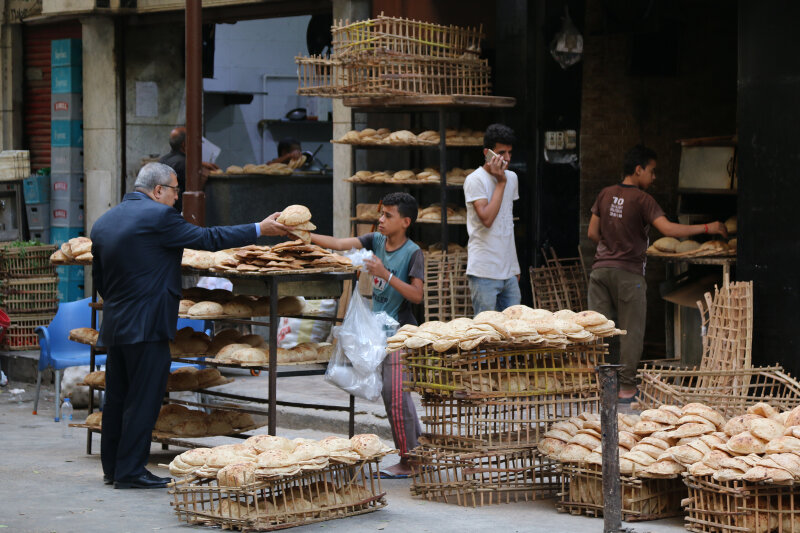 Fresh bread sold on the streets of Cairo