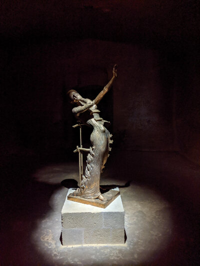 Salvador Dalí sculpture