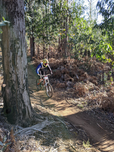 Downhill race in the forests above Prazeres