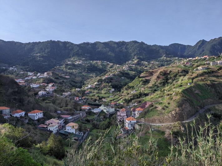 Houses near Porto da Cruz